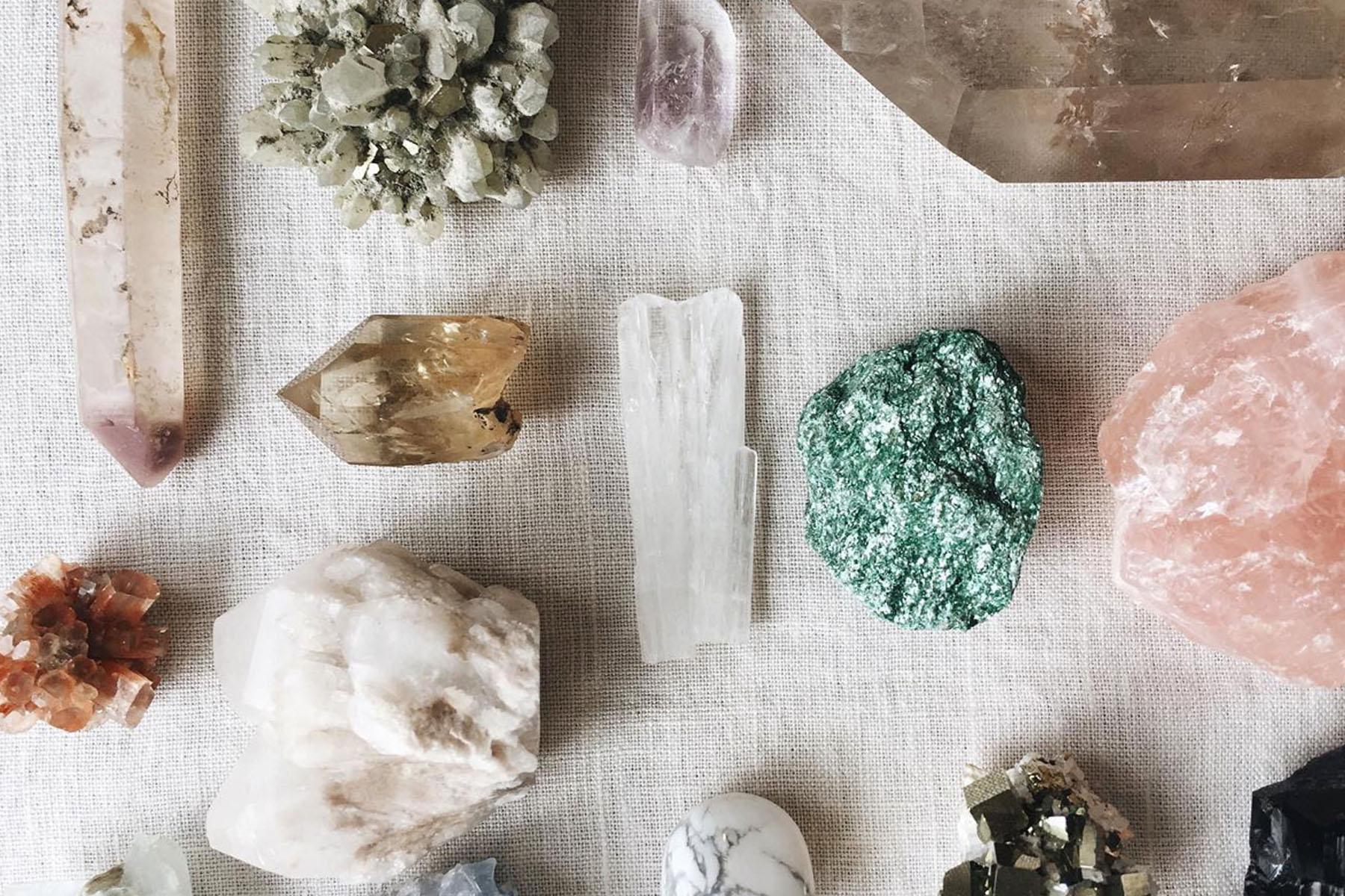 หินมงคล ดูดวงประจำราศี